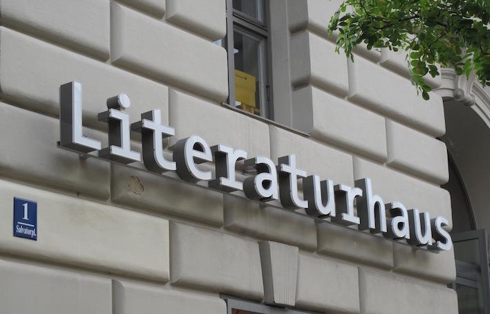 literaturhaus_mu%cc%88nchen_altstadt_salvatorplatz_1